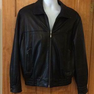 Black lambskin Roundtree & Yorke leather jacket  M